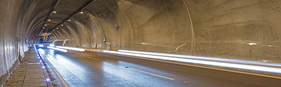 tunell_graa