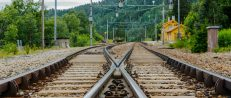 Jernbane-kryss-stasjon